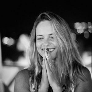 Flávia Miranda - Yogashala in